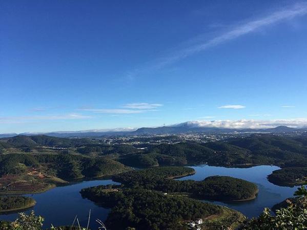 Cảnh quan trên đỉnh Pinhatt